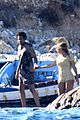 beyonce jay z visit a shipwreck during birthday trip 17