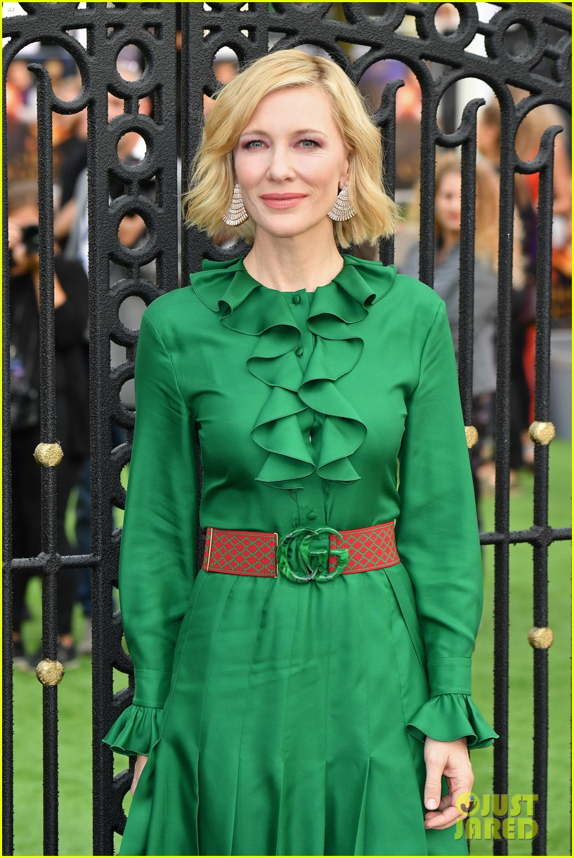 cate blanchett house with clock walls premiere 054139081