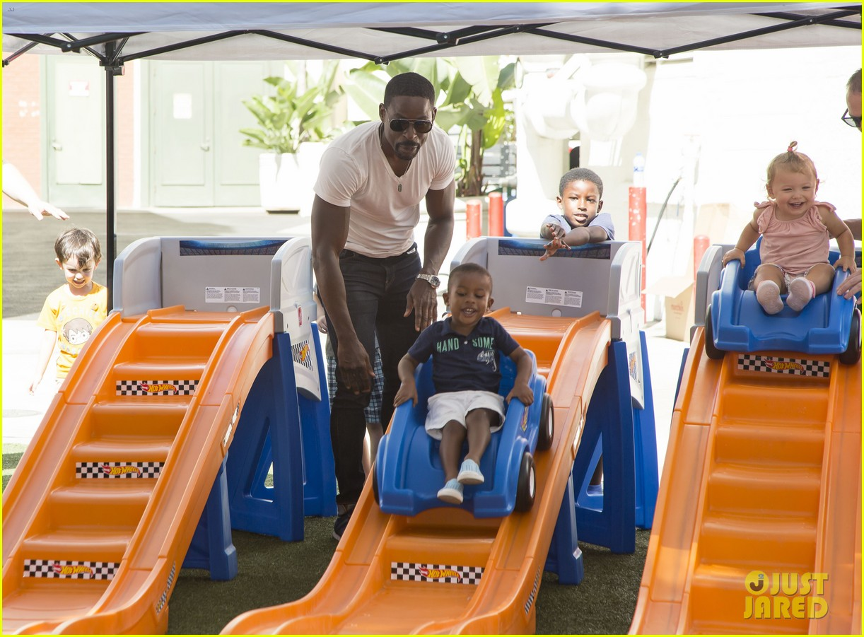 sterling k brown brings sons to step2 event 014151916