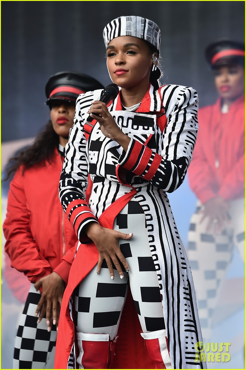 cardi b gives first performance at global citizen festival since giving birth 054156238