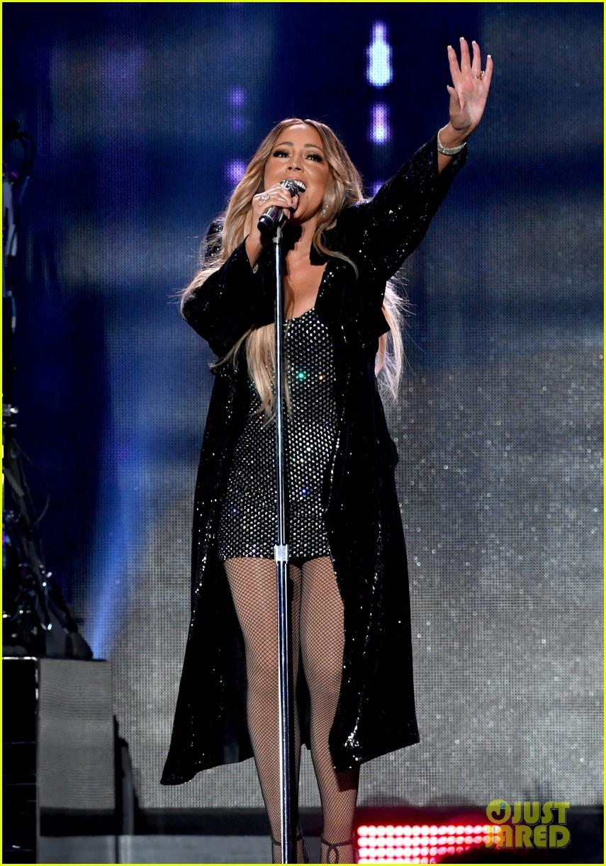 Mariah Carey Sparkles On The Iheartradio Music Festival