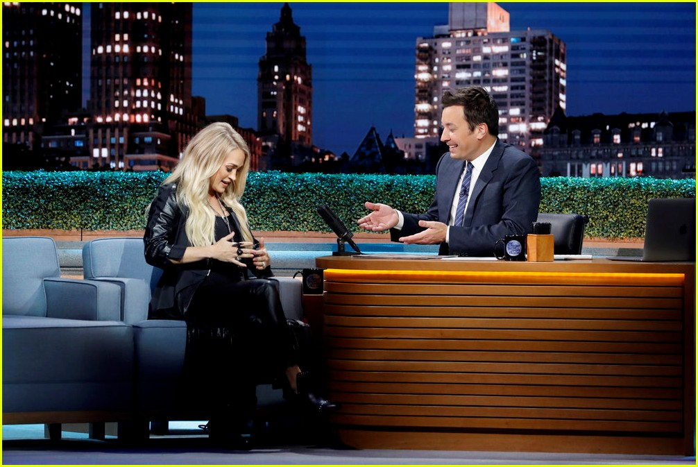carrie underwood fallon september 2018 014146673