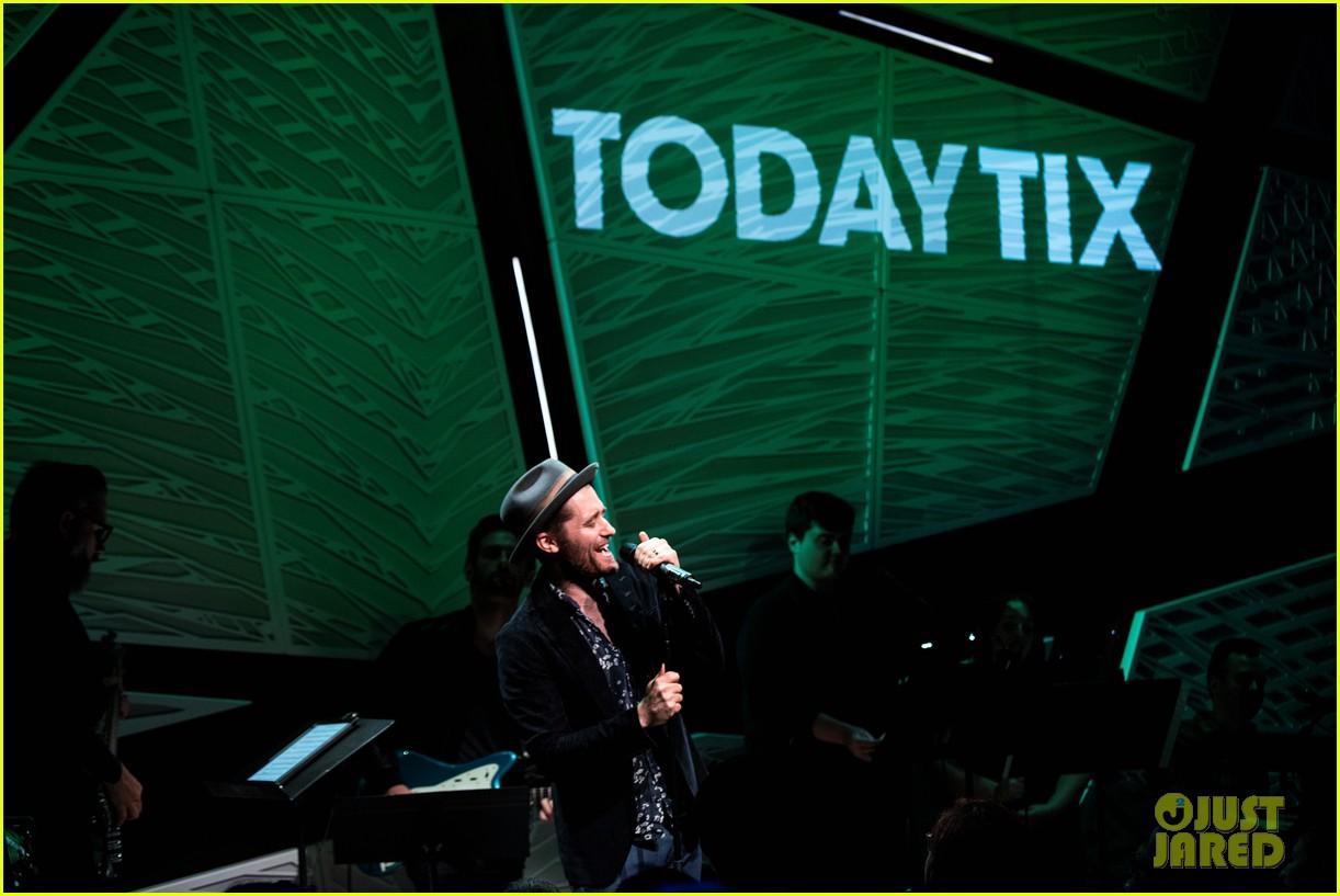 darren criss matthew morrison reunite at todaytix live 5 year anniversary 02