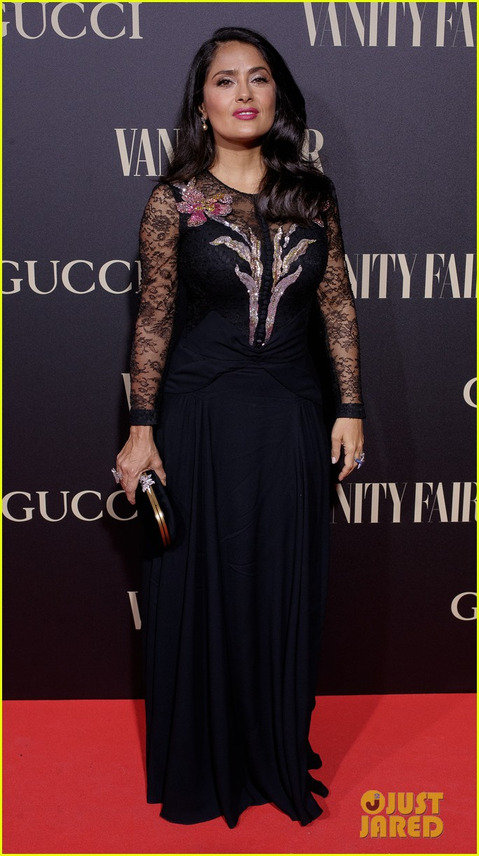 penelope cruz salma hayek step out for vanity fairs personality of the year awards 014154548
