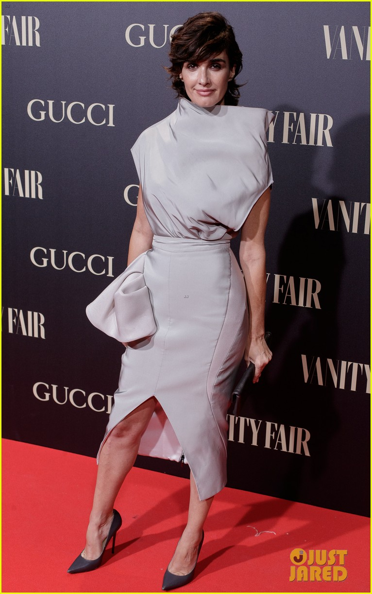 penelope cruz salma hayek step out for vanity fairs personality of the year awards 044154551