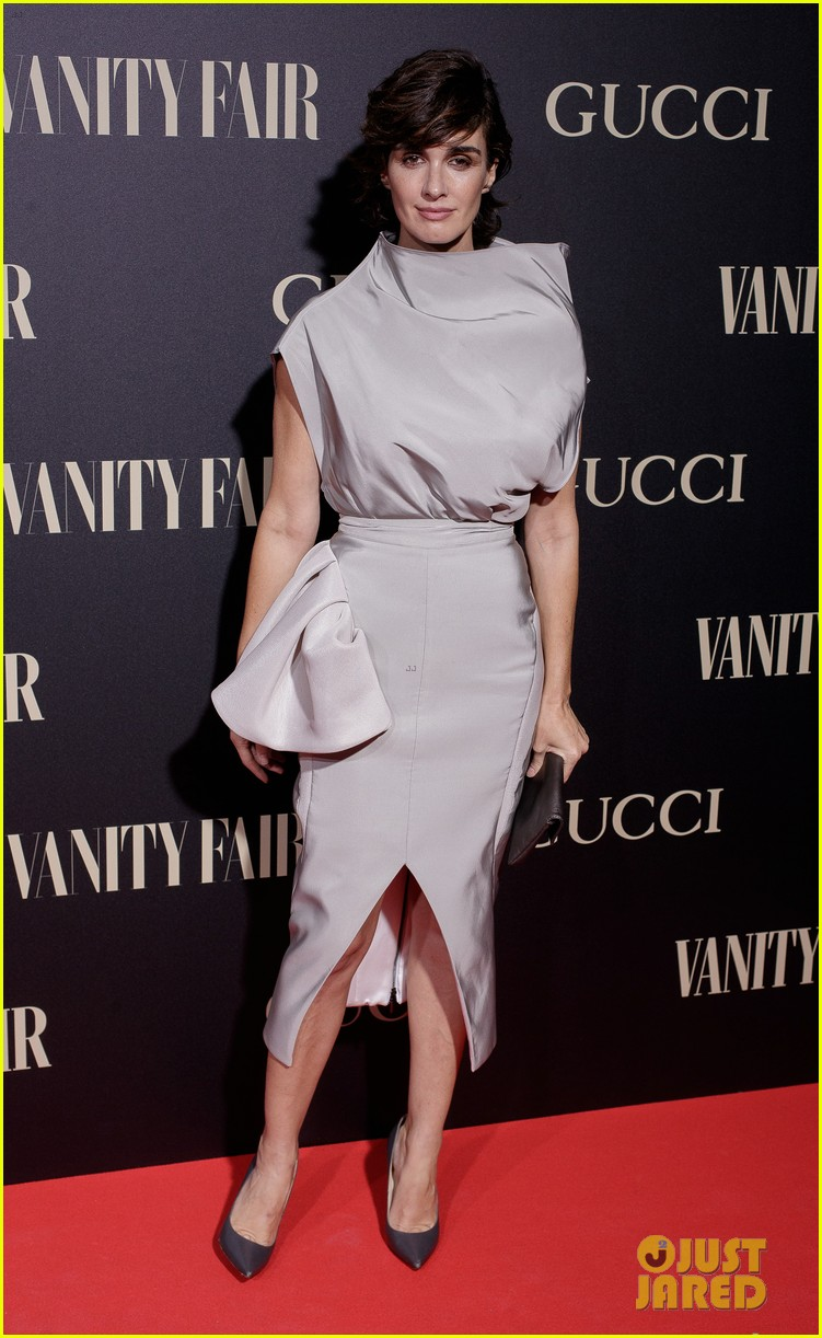 penelope cruz salma hayek step out for vanity fairs personality of the year awards 104154557