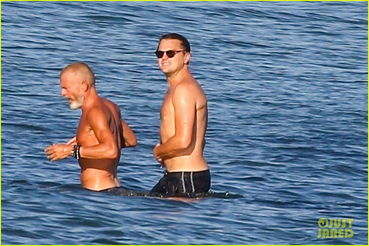 leonardo dicaprio shirtless at the beach 014137441
