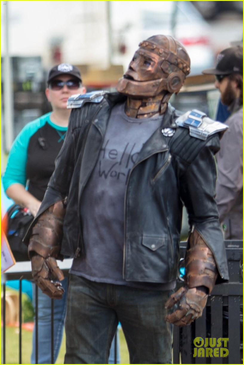 Robotman Films On Doom Patrol Set In More First Look Photos