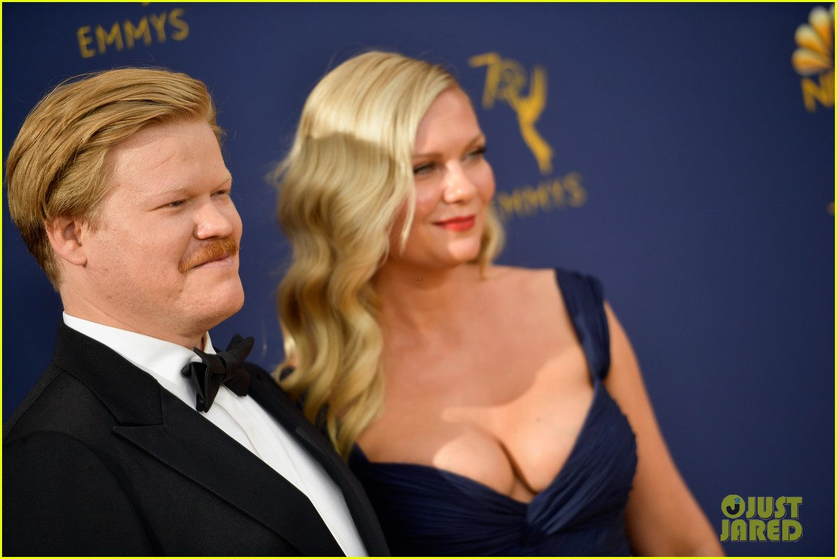 kirsten dunst jesse plemons emmys error ends up on tv 024149316