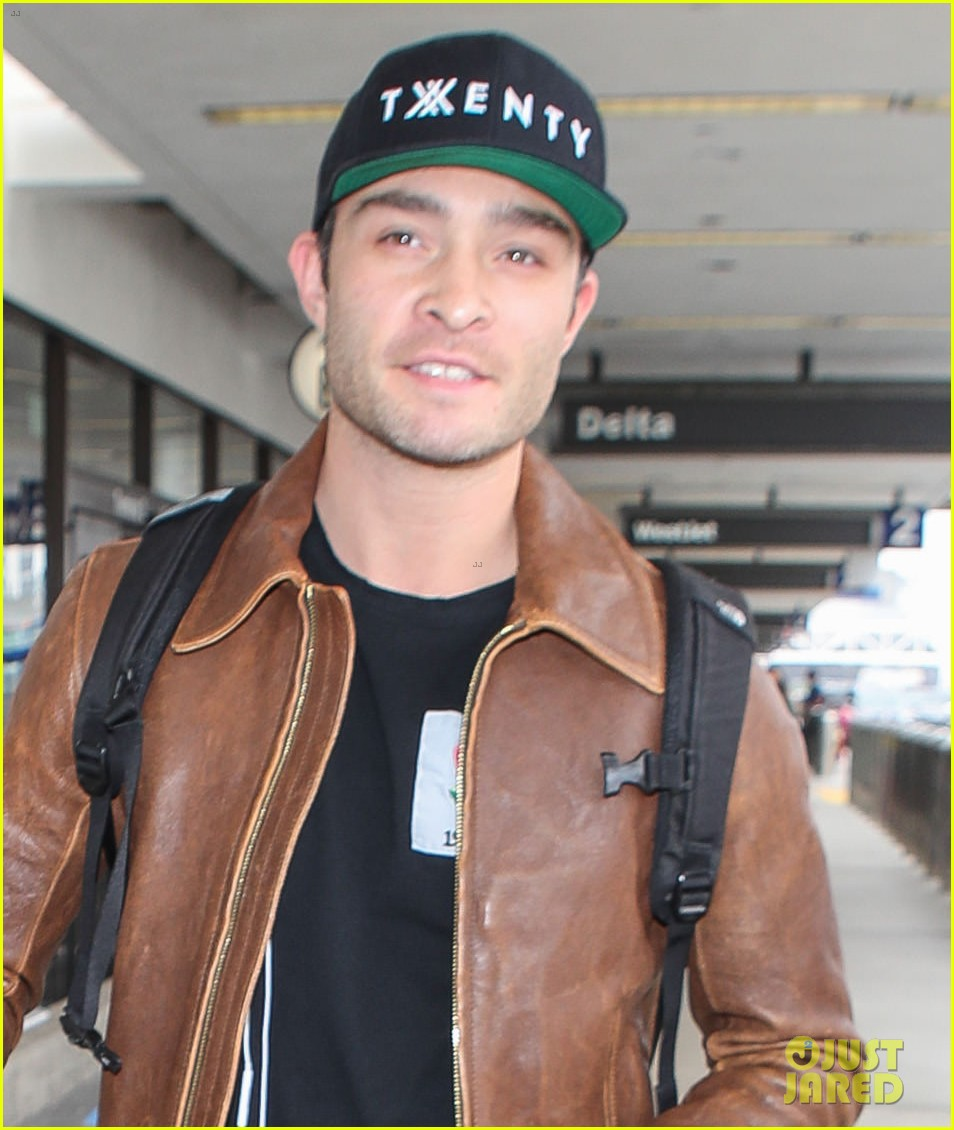 ed westwick is all smiles jetting out of lax airport 02