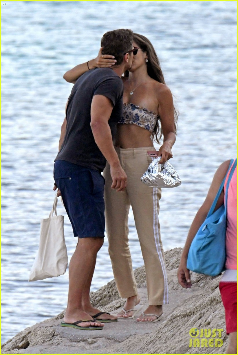 james franco steamy vacation with izabel pakzad 074146420