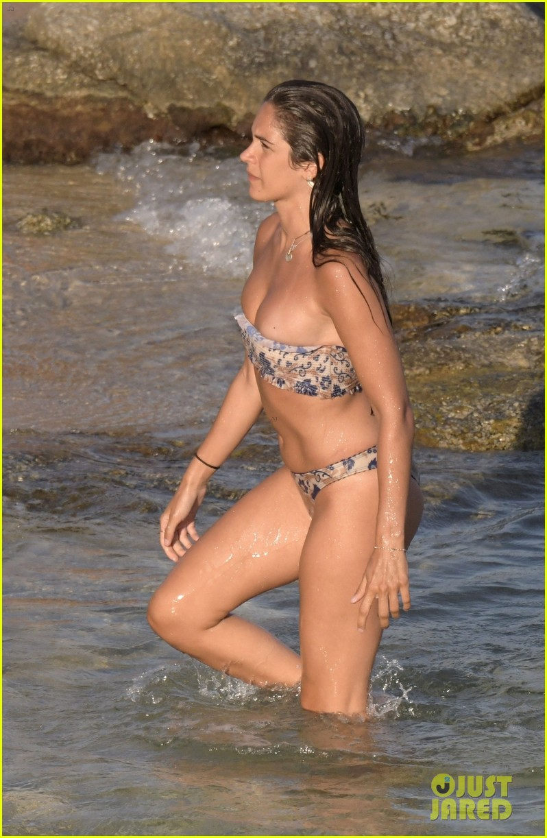 Consider, steamy wife in bikini