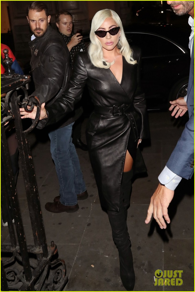 Lady gaga in leather pants ass apologise