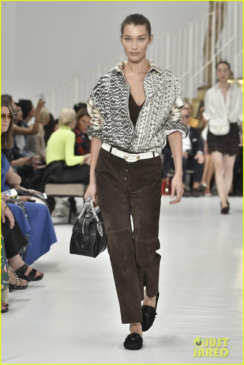 gigi and bella hadid strut their stuff in tods milan fashion week show2 044151306