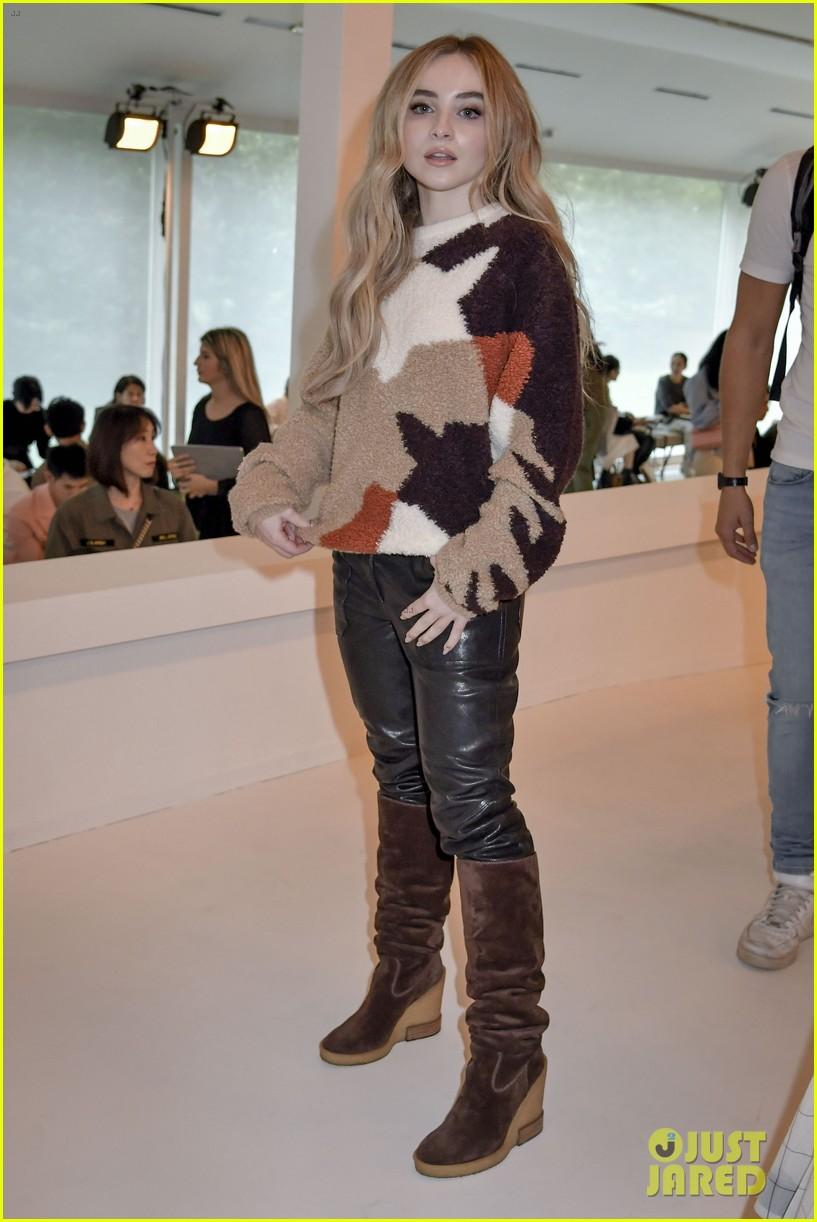 gigi and bella hadid strut their stuff in tods milan fashion week show2 064151308
