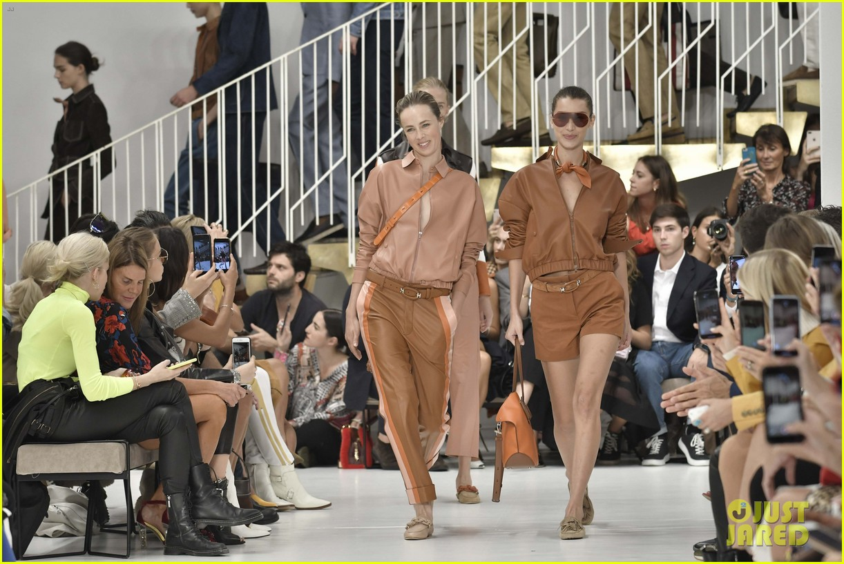 gigi and bella hadid strut their stuff in tods milan fashion week show2 204151322