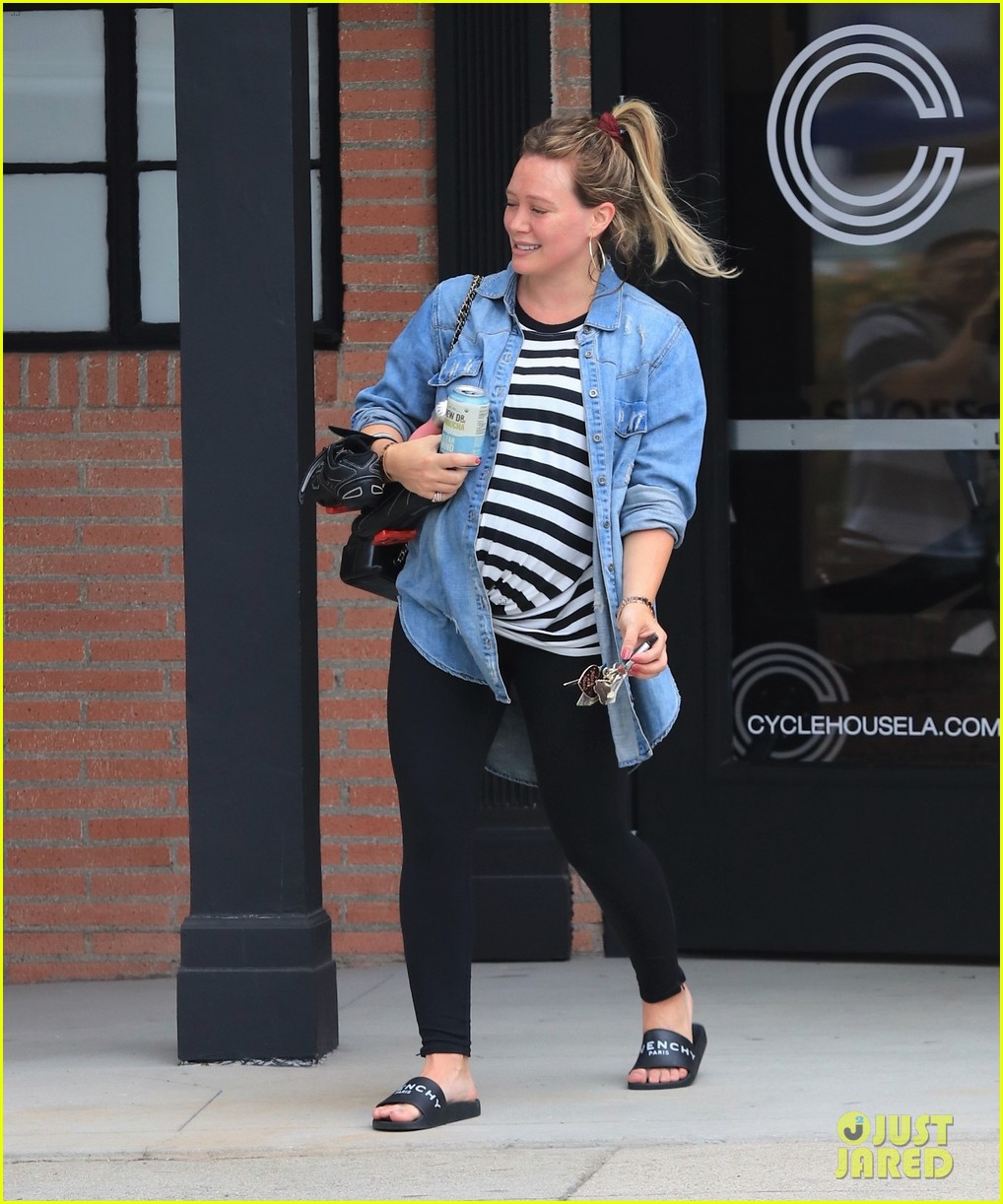 picture Hilary duff street style hits the gym in la