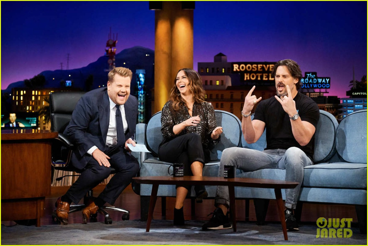 joe manganiello jennifer love hewitt james corden 014145441