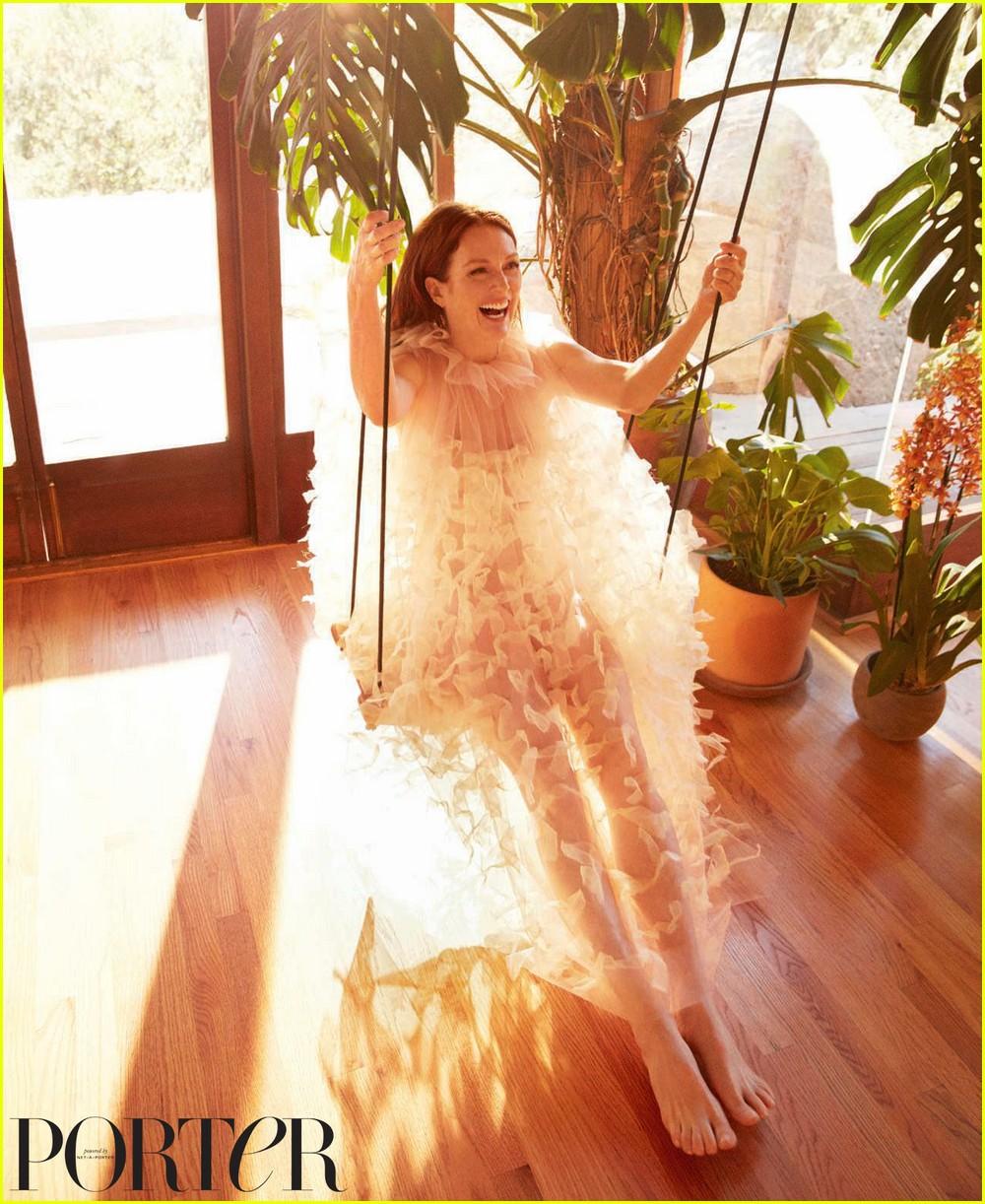 julianne moore porter magazine 054152892