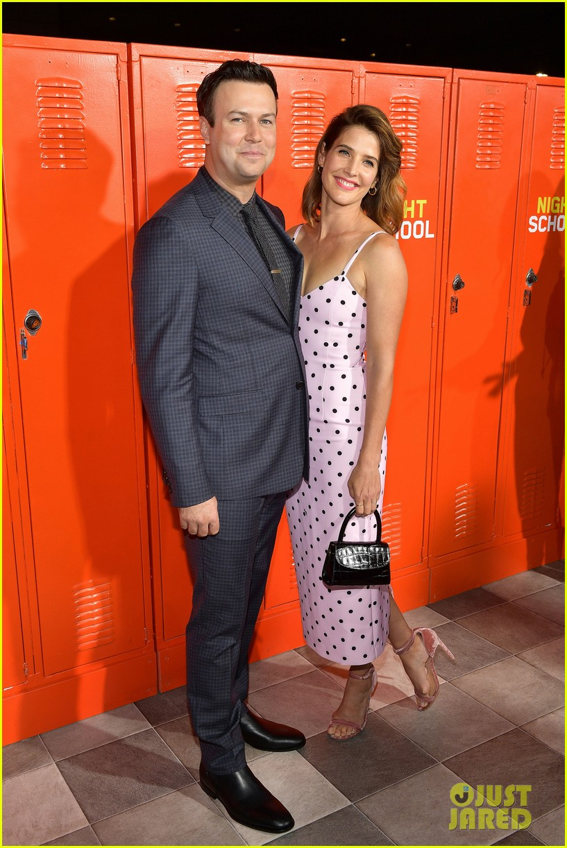 taran killam cobie smulders couple up at night school premiere 104153440