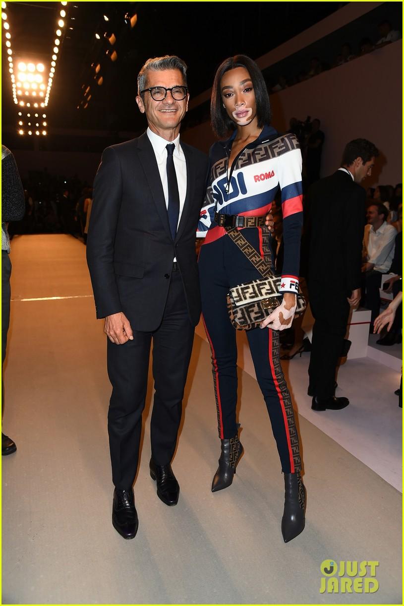 nicki minaj supports karl lagerfeld at fendi milan fashion show 034150355