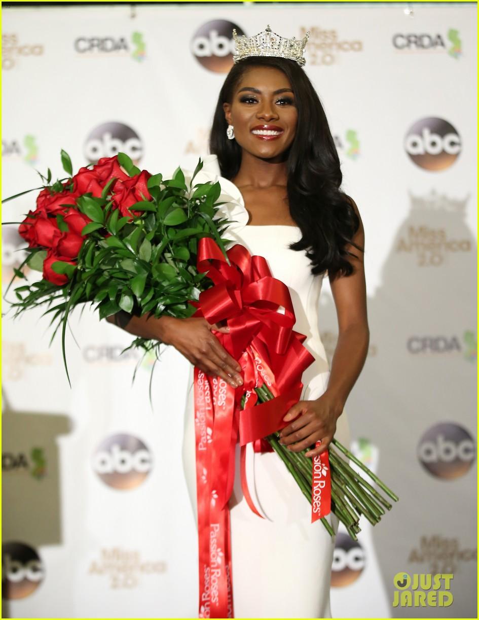 nia imani franklin, miss america 2019. - Página 4 Miss-america-2019-new-york-nia-imani-franklin-48