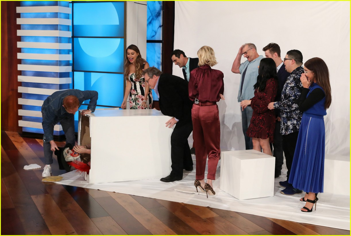 The Cast of 'Modern Family' Gets Scared on 'Ellen' - Watch Now