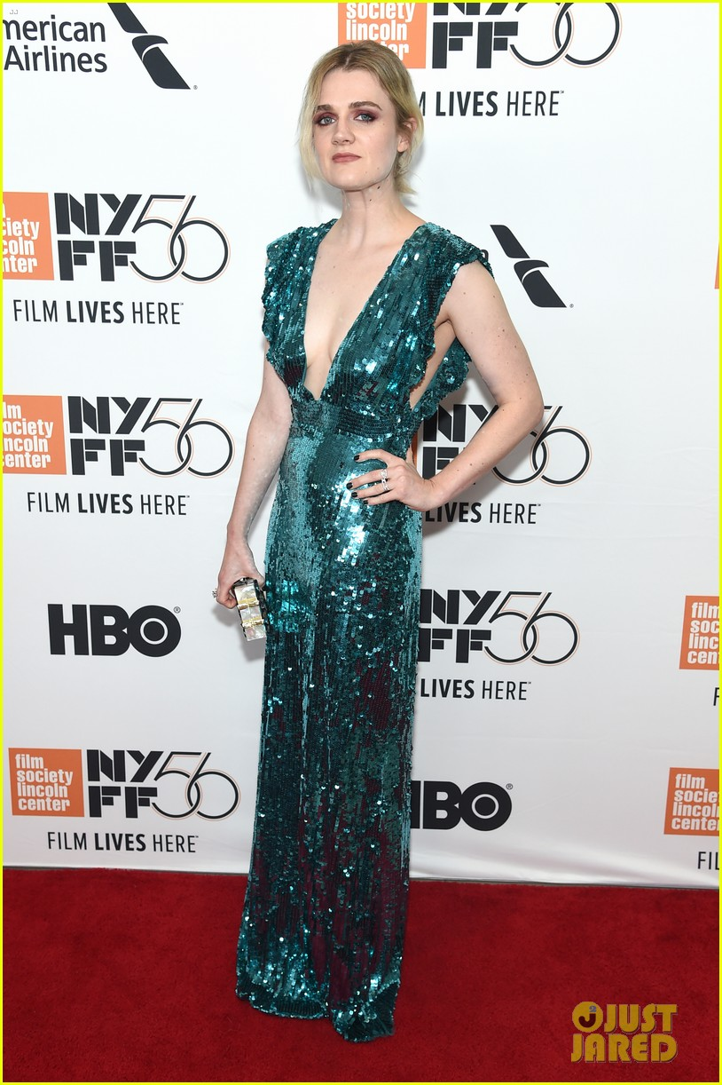 elisabeth moss shines at her smell premiere at new york film festival 054156154