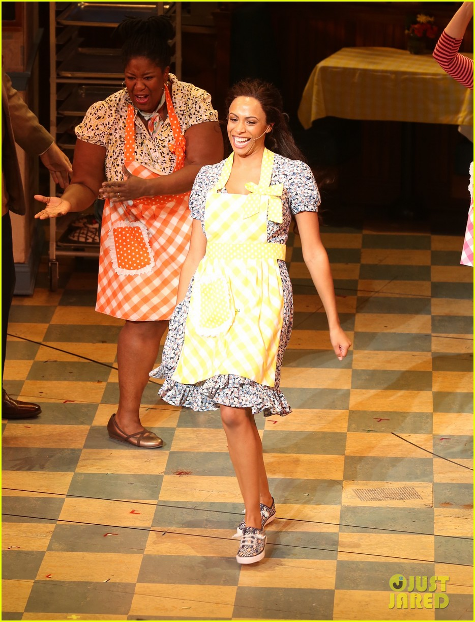 nicolette robinson broadway debut in waitress 034139056