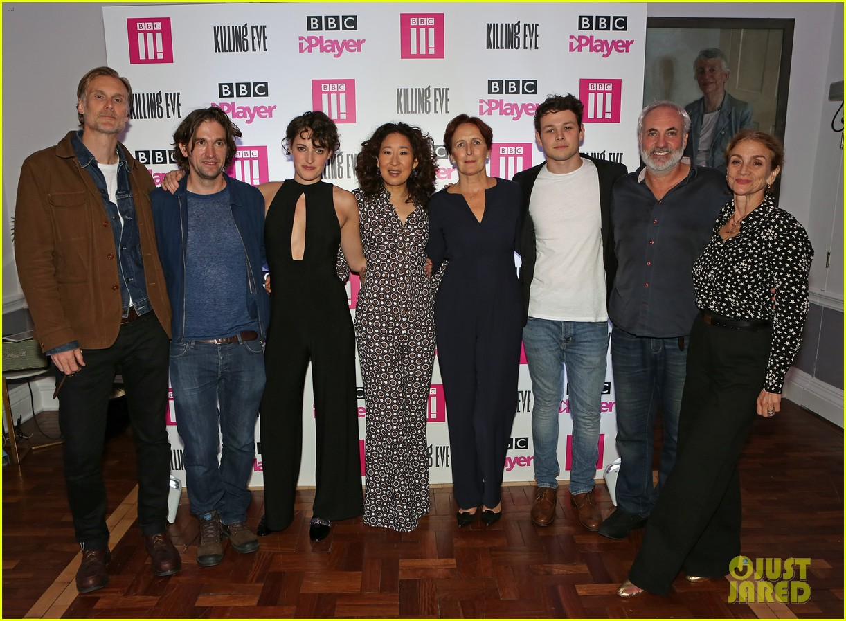 sandra oh joins killing eve co stars at special screening in london 034139314