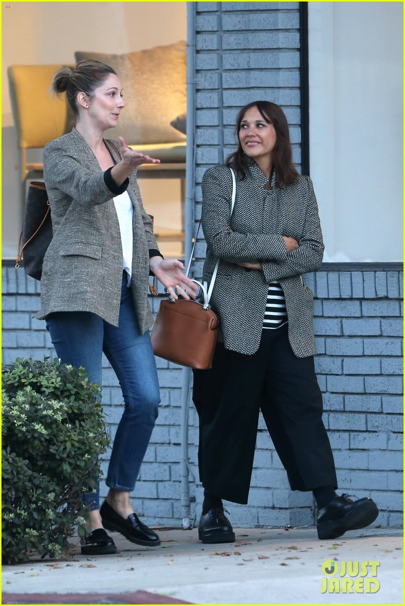 rashida jones judy greer hang out 164156050