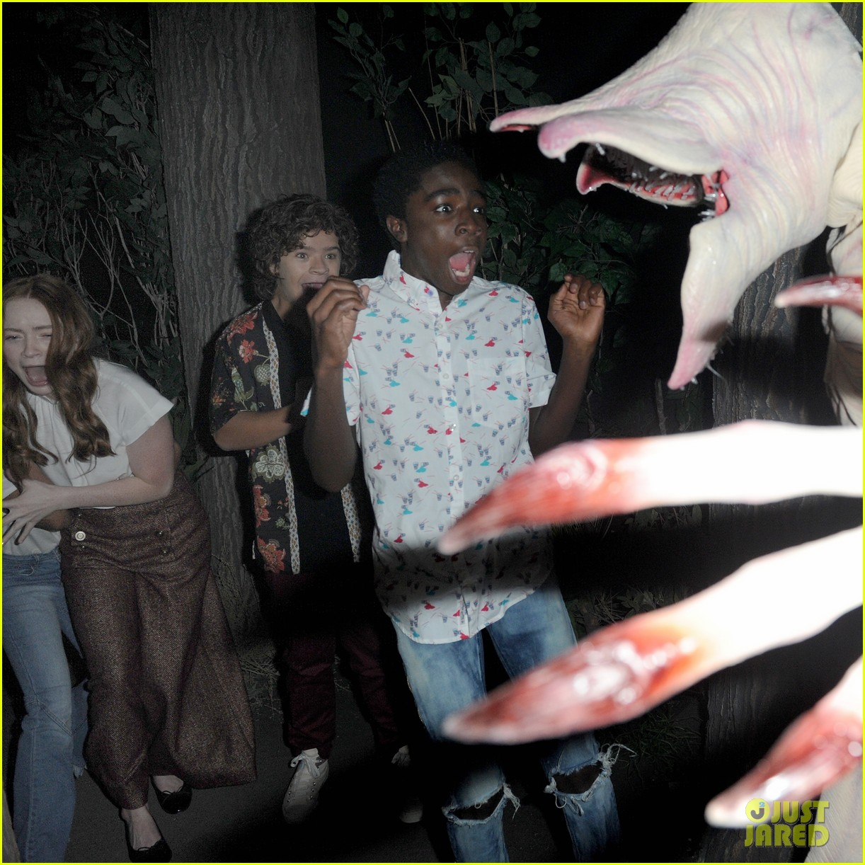 vanessa hudgens bella thorne preview universal horror nights 354147102