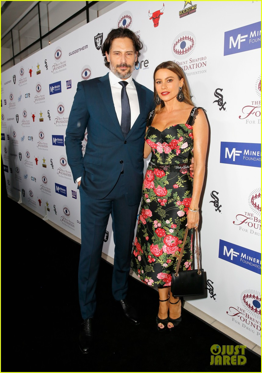sofia vergara joe manganiello spirit of sobriety award 014141435