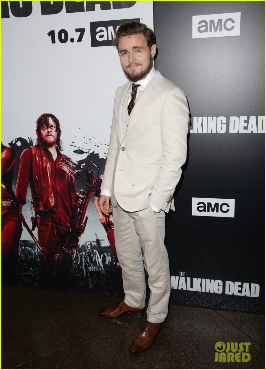 Andrew Lincoln Danai Gurira Amp Walking Dead Stars Attend Season 9 Screening Photo 4155206