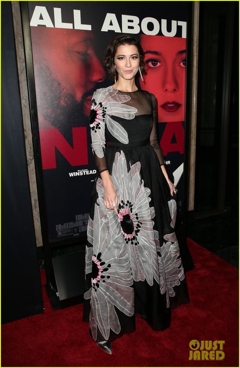 mary elizabeth winstead common premiere all about nina at la film festival 254152698