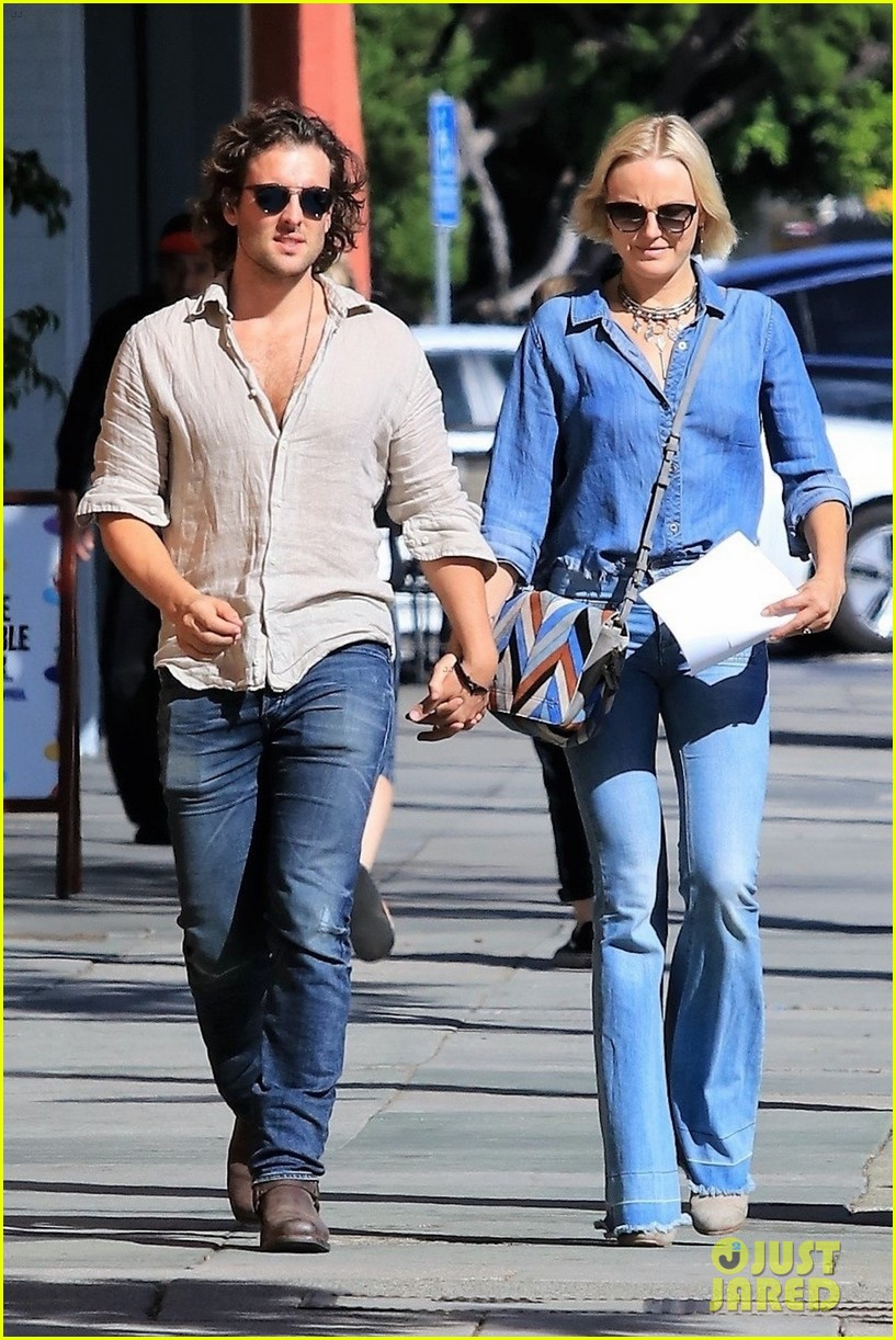 a cute couple