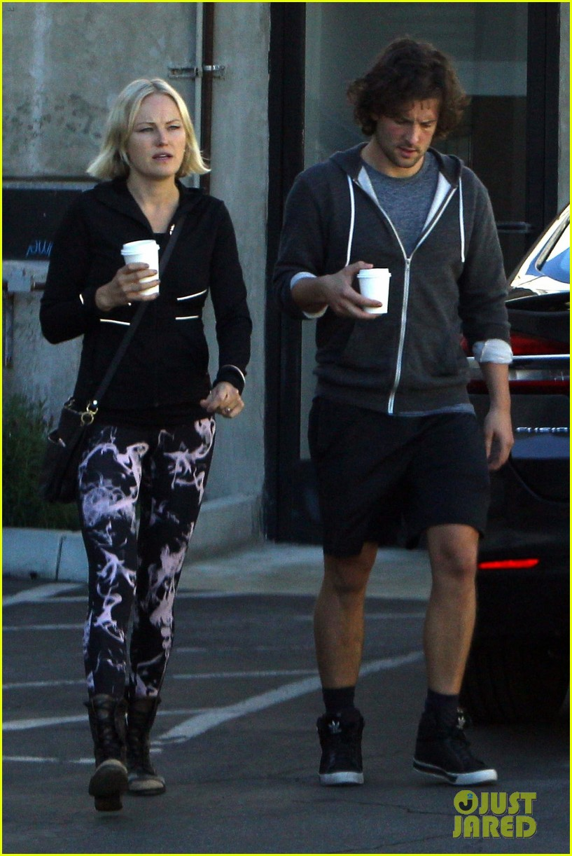 malin akerman and fiance jack donnelly couple up for coffee and pilates054167335