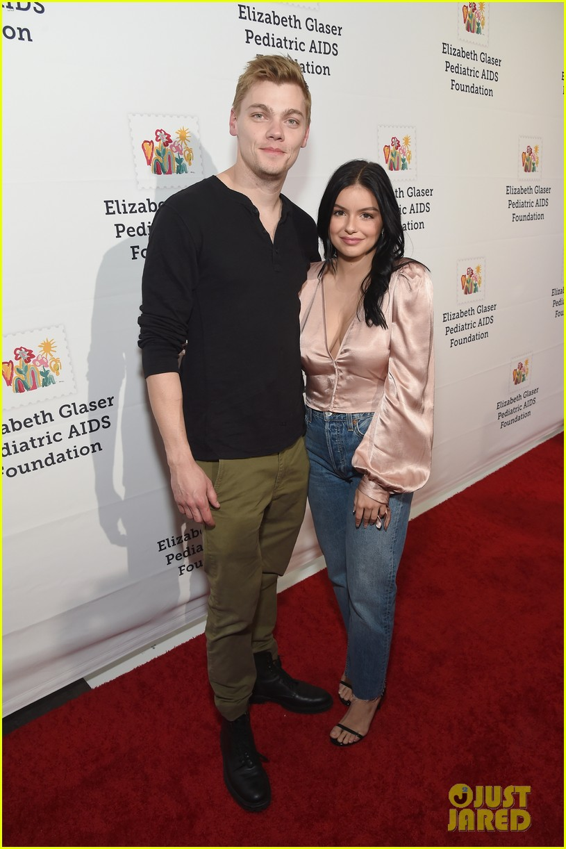 ariel winter levi meaden couple up for a time for heros festival 344172087