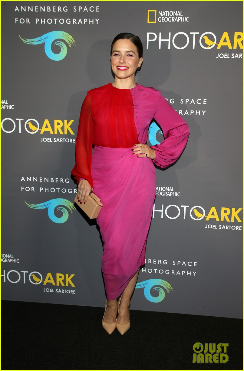 sophia bush holland roden support national geographic photo ark exhibit 14