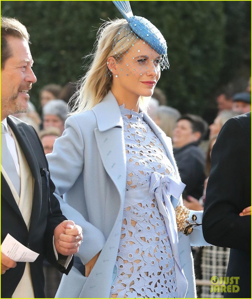 cara delevingne princess eugenie wedding 044163636