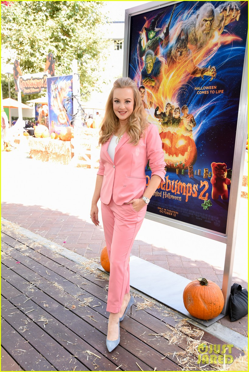 wendi mclendon covey ken jeong celebrate goosebumps 2 haunted halloween premiere 124160718