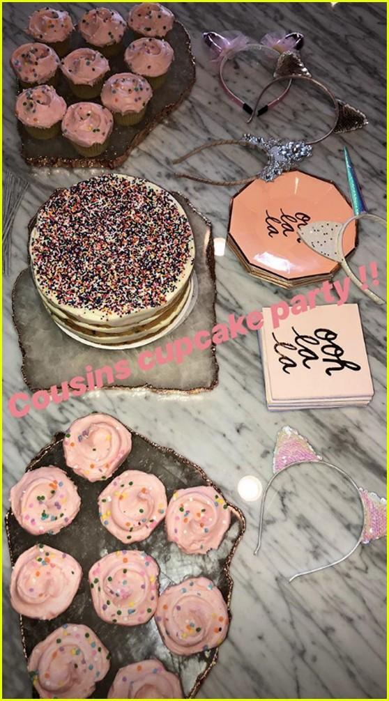 kardashian kids cupcake party 024164147