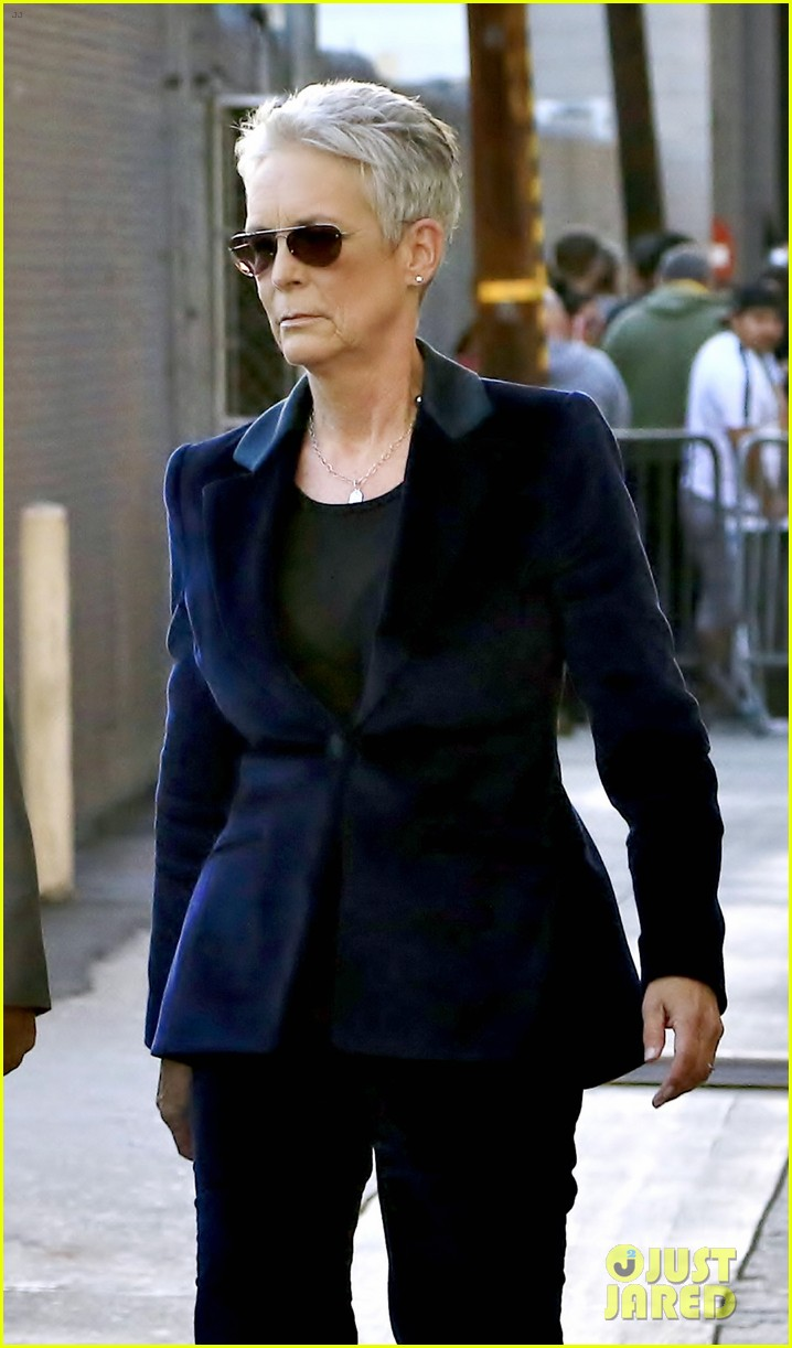 jamie lee curtis says nobody comes to her house for halloween 034162942