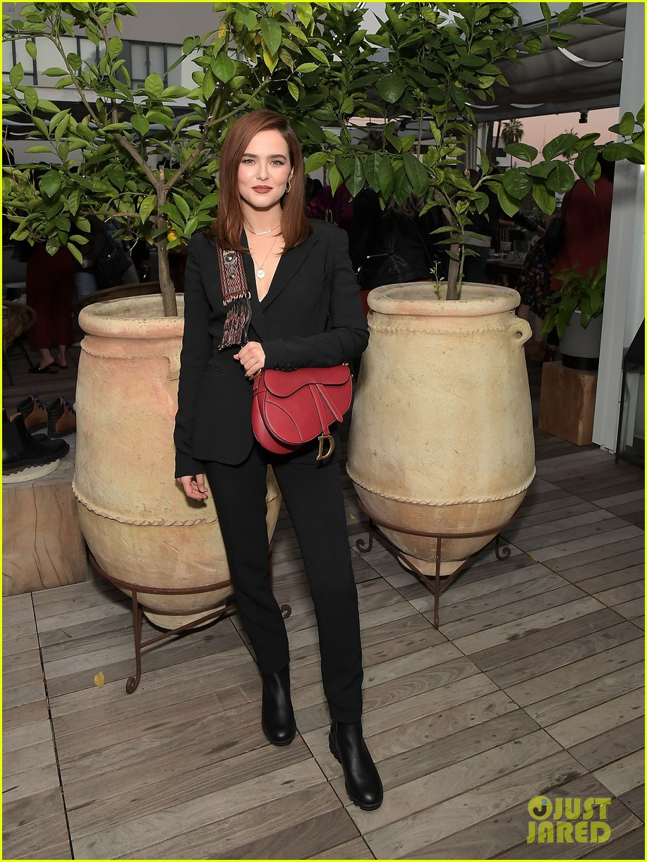 zoey deutch supports ladygang stars at fall podcast party02