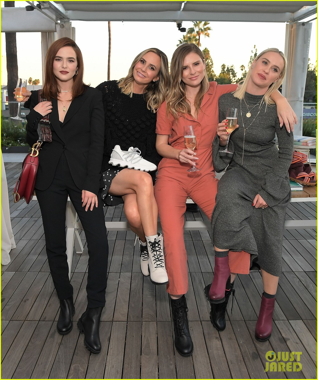 zoey deutch supports ladygang stars at fall podcast party03