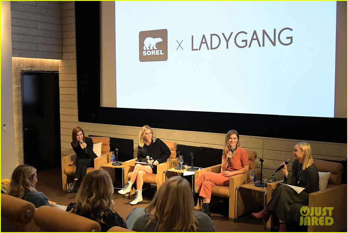 zoey deutch supports ladygang stars at fall podcast party044167292