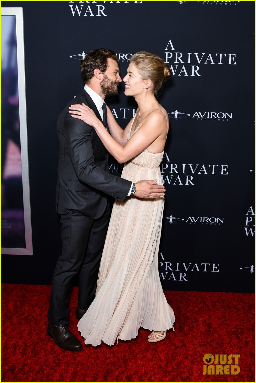 jamie dornan rosamund pike step out for a private war los angeles premiere 014170228