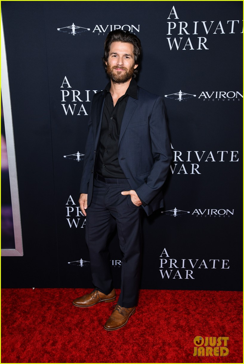 jamie dornan rosamund pike step out for a private war los angeles premiere 114170238