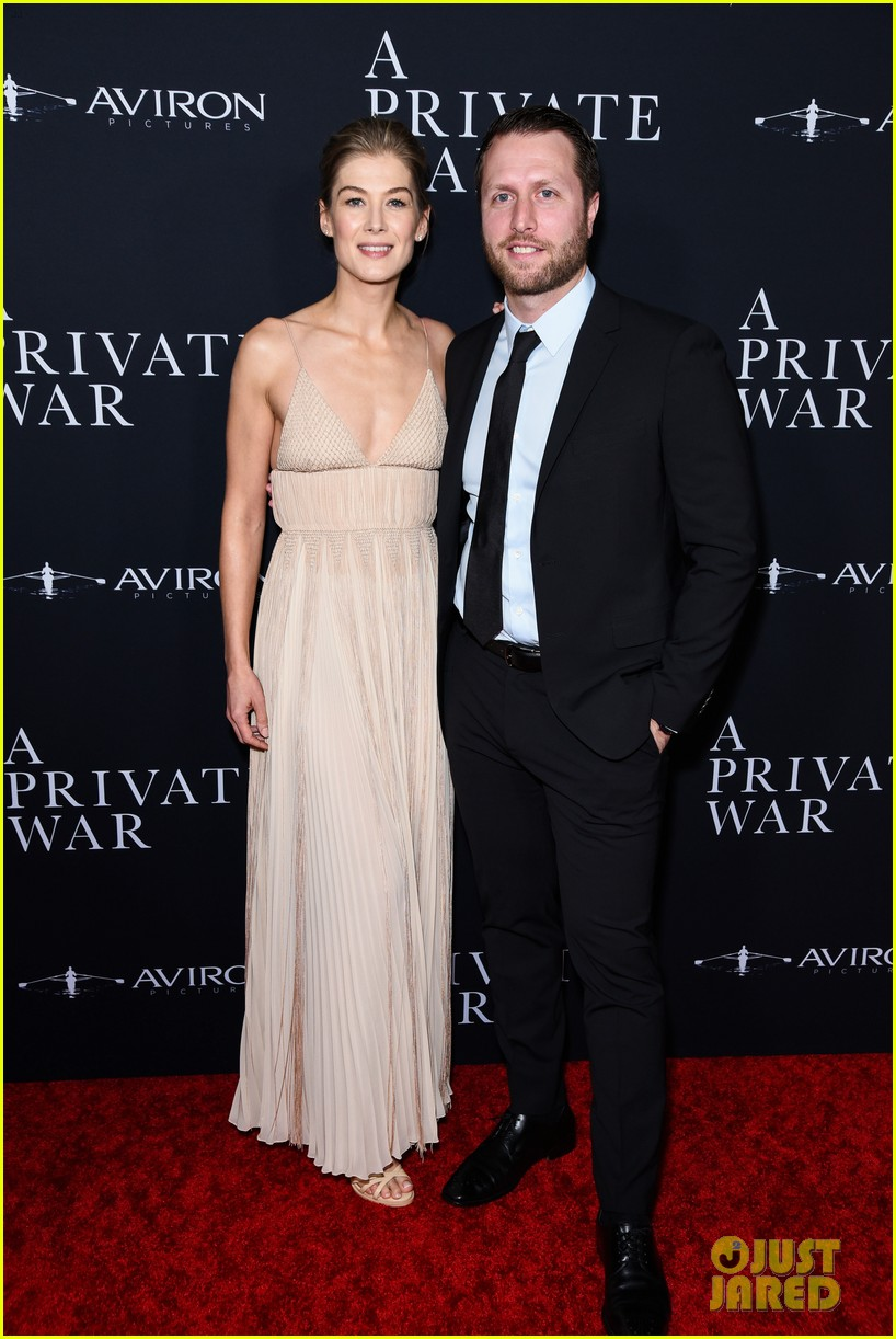 jamie dornan rosamund pike step out for a private war los angeles premiere 134170240