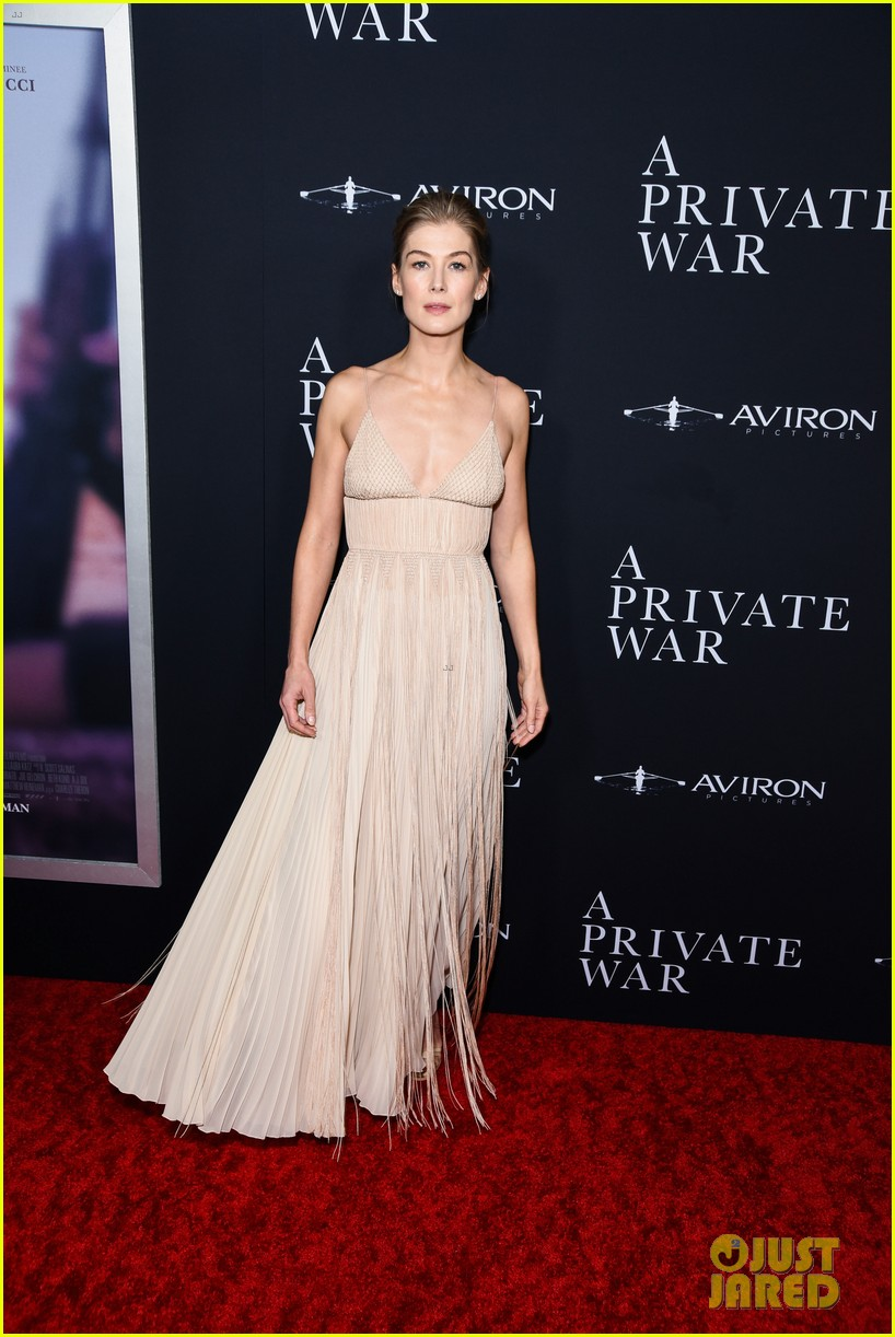 jamie dornan rosamund pike step out for a private war los angeles premiere 214170248